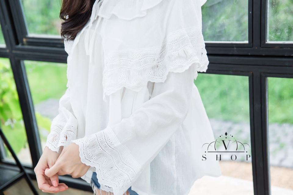 เสื้อลูกไม้ผสมผ้าฉลู งานสไตล์เกาหลี